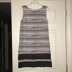 Ann Taylor black and ivory stretch dress size 8